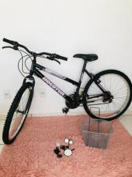 Bicicleta semi nova aro26