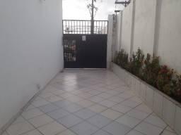 Oportunidade Apartamento de 3 Quartos Totais em Itapuã