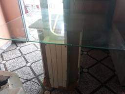 Título do anúncio: Mesa de vidro com base de mdf