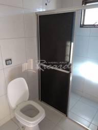 Casa com 3 quartos - Bairro Jardim Tropical II em Arapongas