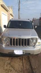 Título do anúncio: Vendo jeep cheroki ano 2012