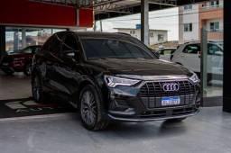 Título do anúncio:  Audi Q3\ black 1.4