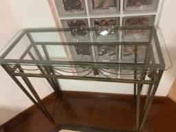 Aparador base de ferro e tampo vidro