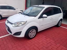 Ford Fiesta hacht 1.6 completo ano 2014