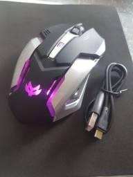 Mouse Gamer Sem Fio carrega na usb