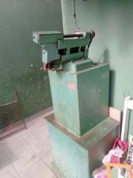 Máquina Pirulito sapateiro faz palmilha.sapatilha e forro
