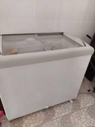 Freezer com tampa de vidro