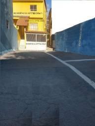 Vendo Sobrado (Junto ou separado) com 03 aptº (01 por andar), Área total construida 550m²