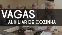 Título do anúncio: Vagas Auxiliar de Cozinha - Pizzaria/Hamburgueria Delivery