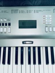 Teclado Profissional Yamaha bem conservado