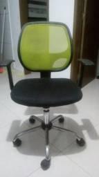 Cadeira giratória com braco