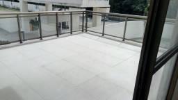 Apto com varanda de 27metros