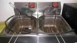 Fritadeira Elétrica Croydon com 2 Cubas