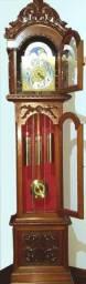 Relógio Pedestal Urgos Lindo , Conservado e toca Três Melodias