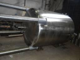 Reator em aço inox, volume de 4000 litros com moto redutor de 5CV