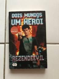 Livro Rezende Dois Mundos Um Herói