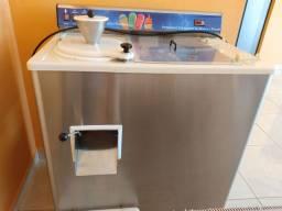 Vendo máquina de sorvete 13,000