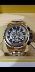 Relógio Invicta Zeus Bolt Skeleton dourado a prova d'água