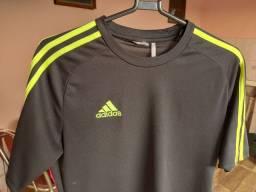 """Camisetas Academia tamanho """"M"""" usadas"""