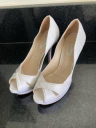 Sapato branco, perfeito p noivas tam 33