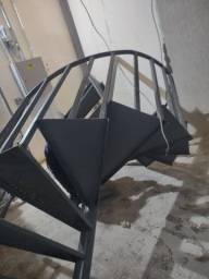 Título do anúncio: Vendo escada caracol 1500 reais ou 2000 instalada