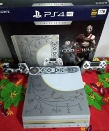 PS4 PRO ED Colecionador GOD OF WAR Completo