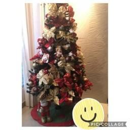 Título do anúncio: Vendo Arvore de Natal Grande Completa