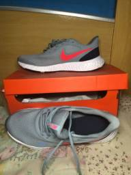 Nike revolution 5 original