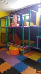 Playground e piscina de bolinha