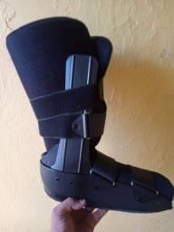 Vendo bota ortopédica estado de zero usada menos de 1 dia
