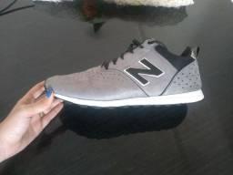 Tênis New Balance 600C