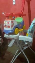 Cadeira de comer e carrinho