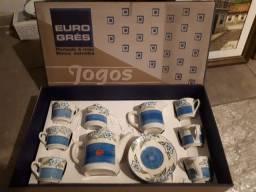 Jogo de porcelana de café  -Euro Cres  com 15 peças