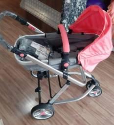 Carrinho e bebê conforto com base veículo