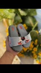 Título do anúncio: Slides e sandálias com led infantil