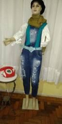 Macacão em jeans tamanho 42