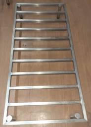 Título do anúncio: Estrado em aço inox 304 medindo: 145cm de comprimento X 56cm de largura X  e 18 cm altura
