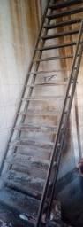 Escada de ferro usada