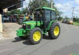 Trator John Deere 5705 4x4 ano 07