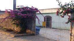 Ótima casa em Piúma com 2 quartos (1 suíte) 124 m² em terreno de 240 m² 2 vagas mais chalé