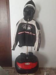 Kit motociclista (jaqueta+capacete+baú)
