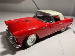 Título do anúncio: Miniatura Ford Thunderbird 1955 Road Though 1/18
