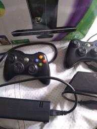Xbox desbloqueado. 2 controles novos e Kinect