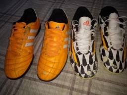 Vendo dois pares de chuteiras/tênis de futsal Adidas semi novos