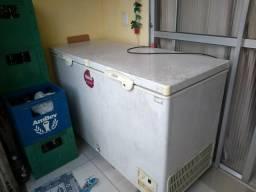Vende-se uma freezer duas portas fricon