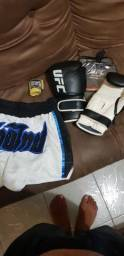Kit Luvas Muay Thai/Boxe + short Muay Thai + bandagem.