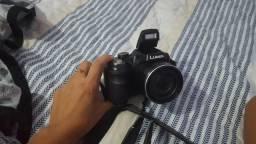 Máquina fotográfica semi-proficional