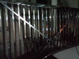 2 portões em aço inox