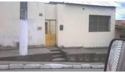 Casa na ladeira professor Benedito Silva