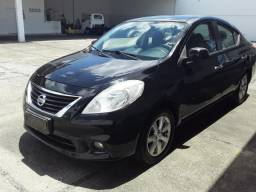 Nissan Versa SL 1.6 - 2013 - 2013
